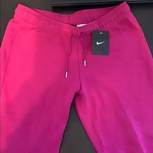 Nike Women's 3 Quarter Pants